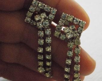Art Deco style crystal earrings, clip-on dangle earrings, elegant earrings, vintage jewelry, wedding jewelry