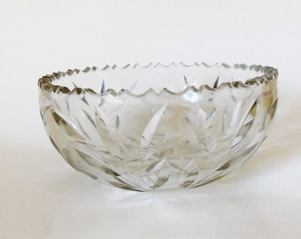 Antique Crystal Bowl Cut and Pressed Glass Daisy & Vine Sawtooth 8""