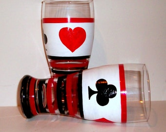 Hearts Spades Diamonds Clubs Beer Glasses Hand Painted set of 2 or 4 - 20 oz  Tall Beer Beer Glasses Cards Dad Red Black White