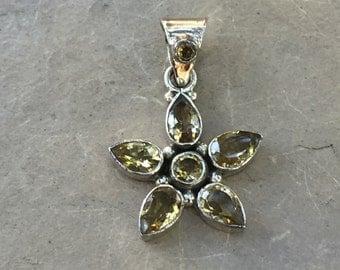 Flower Pendant, gold topaz, one pendant, 23 mm