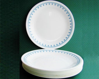 Corelle Snowflake Blue Garland 8 1/2 Inch Luncheon Plates Livingware Set of 9 Matches Pyrex Pattern
