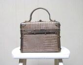 Vintage 1980s Box Purse / 80s Borsa Bella Italy Embossed Taupe Vinyl Train Case Handbag