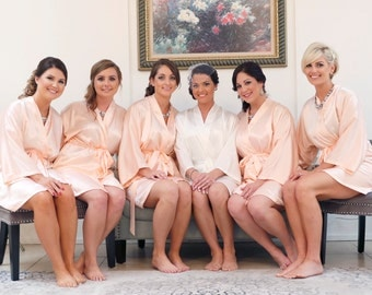 Bridesmaid robes Coral wedding robes Peach bridesmaid silk robe dressing gown personalized silk robe kimono robes floral robe bridal robes