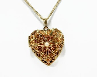 Avon Locket, Treasured Moments, Heart Locket, Mint in Box, Vintage Jewelry, Filigree Pendant, Filigree Locket, Picture Locket, Gold Tone