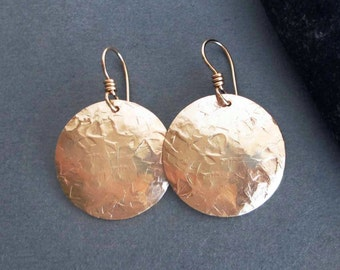 Hammered Gold Disc Earrings in 14k Gold Fill Greek Jewelry Artisan Handmade Modern Jewelry Round Dangle Earrings Textured Metal Jewelry