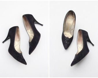 vintage 50s stiletto heels / I. Magnin shoes - 1950s high heel pumps / hand made black suede heels / 50s party shoes - ladies 6.5