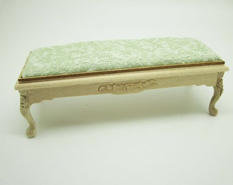 Miniature dollhouse unfinished bench bedside in 1:12 scale - code VMJ1513