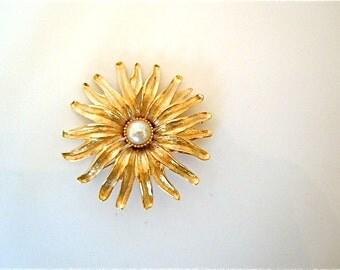 Sunburst Flower Brooch Vintage Jewelry Monet Goldtone Pin