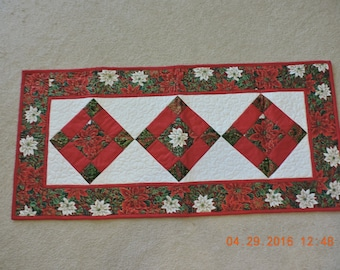 Christmas Poinsettia Quilted Table Runner
