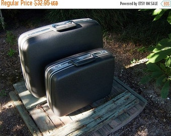 Vintage Charcoal Samsonite Luggage One Large Piece Online Vintage Vintage Travel Vintage Home Accents Small Piece Sold