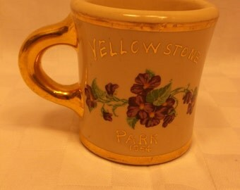 "Vintage Heavy ""Victor"" Style Souvenir Mug - Yellowstone Park 1954 - Ivory with Gold Trim and Violets"