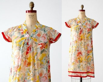 SALE vintage 70s floral cotton shift dress