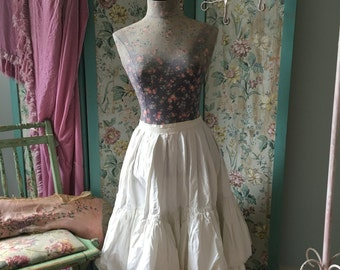Vintage White Puffy Lace Tiered Ruffled Lacw Crochet Trim Skirt Victorian Style Costume V14