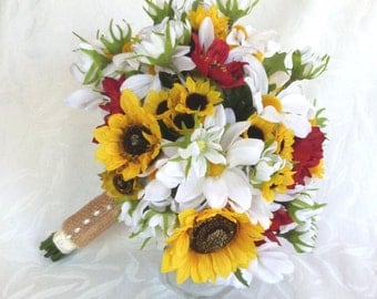 White daisy and sunflower bouquets