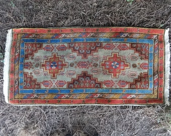 Vintage Oriental Kilim Hand Tied Decorative Floor Mat Carpet Rug circa 1970-80's / English Shop