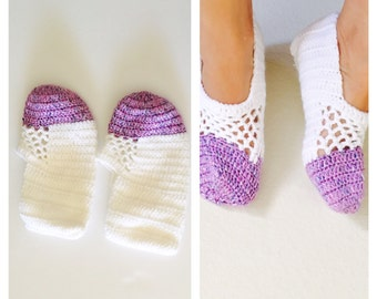 White & purple Crochet House Shoes, Slippers, Size M, Hand Made in the U S A, Item No. Bde05