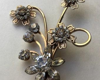 Floral rhinestone brooch    VJSE
