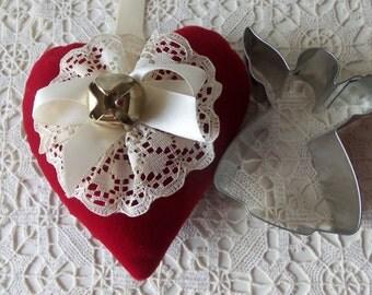 Christmas Gift Set - Vintage Cookie Cutters, Handmade Christmas Ornament, Gift Exchange, Teacher Gift, Display, Christmas Tree