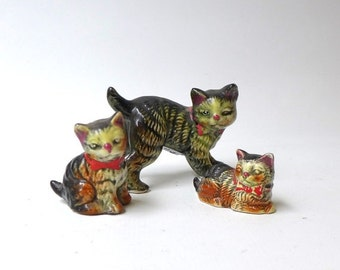 ON SALE Vintage collectable kitsch 1950s Japanese ugly street tabby cat and kitten porcelain figurines