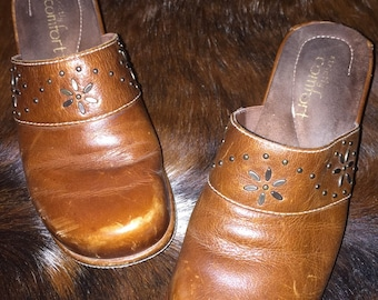Vintage Classic - Leather Clogs Size 6