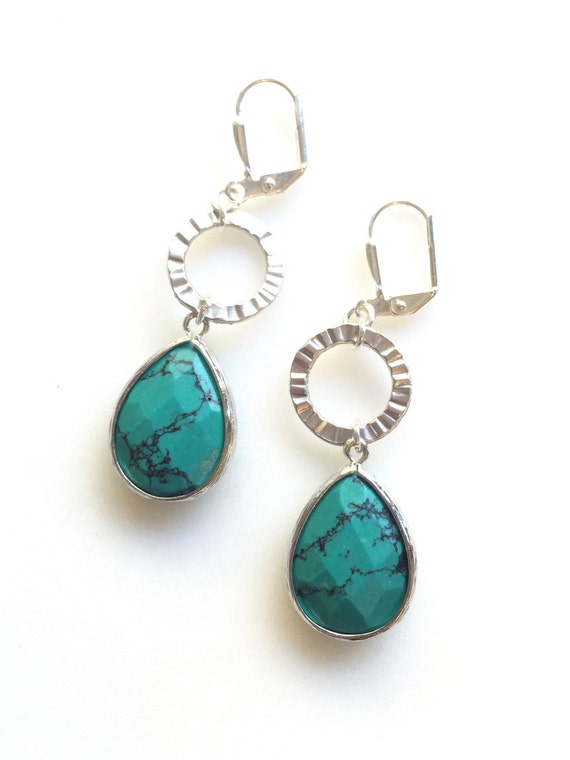 Turquoise Green Stone Teardrop and Circle Dangle Earrings.  Silver Earrings. Jewelry Gift. Modern Fashion Earrings. Chandelier Earrings.