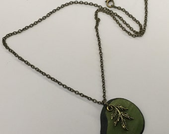 CA Green Nature Necklace