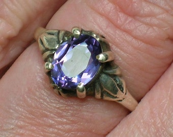 Sterling Silver Ring, Alexandrite (lab). Purple to Teal Color Change Stone. Art Deco Style. Size 5