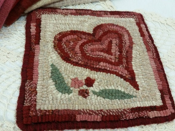"Rug Hooking PATTERN, Heart Mat, 8"" x 8"", J994, Primitive Rug Design, DIY Primitive Rug Hooking"