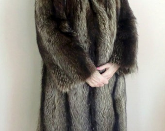 Vintage Raccoon Full-length Fur Coat, Dyed, Grey, Size 14, 1983, Made in the USA, Excellent condition