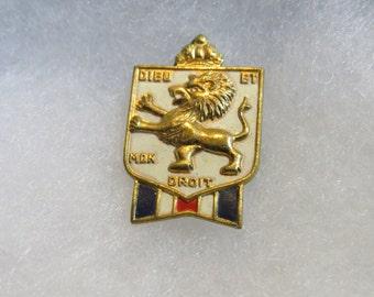Vintage WWII B.W.R.S. Bundles For Britain Dieu Et Mon Droit Pin by Accessocraft - DR1