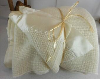 Vintage FARIBO Blanket Ivory Wool Acrylic Basketweave