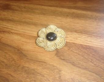 vintage pin brooch goldtone black glass