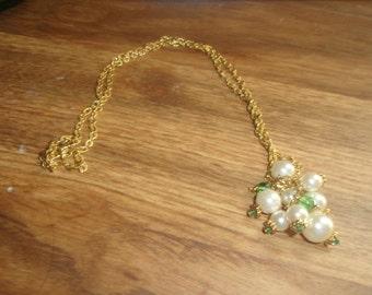 vintage necklace goldtone chain faux pearls dangles