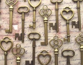 The Romeo Collection - 30 Skeleton Keys in Antique Bronze - Perfect for Wedding Favors and More