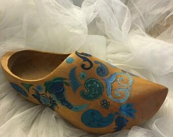 Large handpainted wooden Holland Dutch shoe, holland souvenir shoe, klump shoe