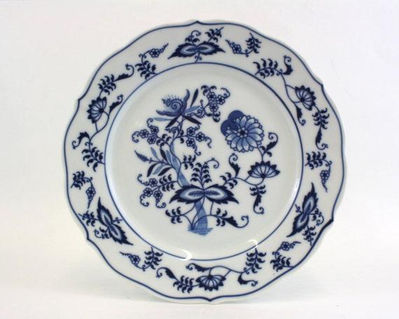 assiette de salade vintage blue danube par littleredhenvintage. Black Bedroom Furniture Sets. Home Design Ideas