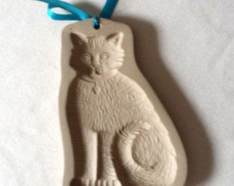 Vintage Brown Bag Cookie Mold - Tabby Cat With A Heart On Its Collar - 1993
