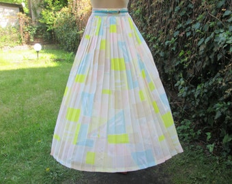 Long Pleated Skirt Vintage / Pleated Skirt / Pleated Skirts / Maxi / Pastel Skirt / Size EUR44 / UK16