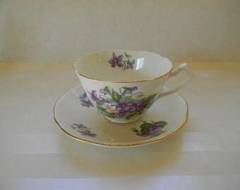 TEACUP, Vintage Gladstone Bone China Teacup