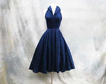 Vintage 1950s Marilyn Monroe navy halter cocktail dress - 50s blue lace full skirt party / prom dress- extra small