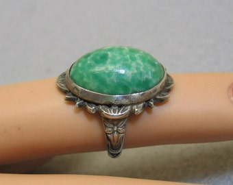 Antique Peking Glass Ring, Size 4