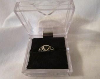 Vintage Sterling Silver Black Onyx Ladies Ring