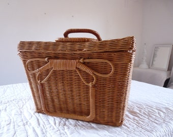 Charming French Vintage Basket Wicker - French Basket -  French Countryside Sewing Corner Sewing Necessary