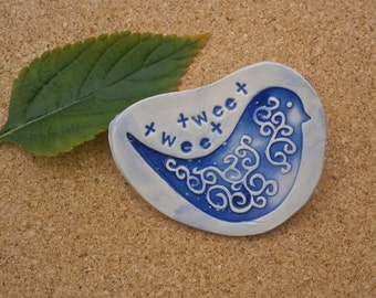 Blue bird brooch - Ceramic tweet tweet pin - Blue and white badge - Handmade brooch