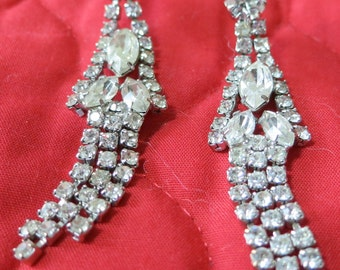 """Vintage rhinestone 3 dangle strand pierced earrings. over 2"""" ins long, mixed stones claw. prong set, lovely sparkle. HMHA13.12-14.6-6.29-5."""