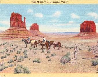 Monument Valley, Arizona, The Mittens - Linen Postcard - Unused (L)