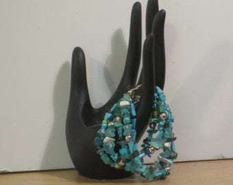 Turquoise beaded bracelet size 6 inches