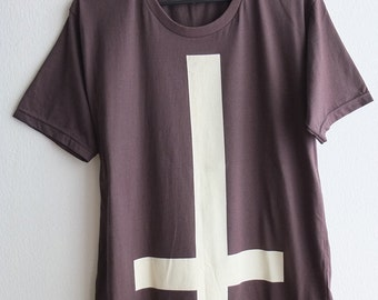 Cross Symbol Gothic Religious Goth Punk Art Fashion Rock T-Shirt S or M