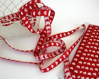 Red and White Heart Trim - 3 Yards