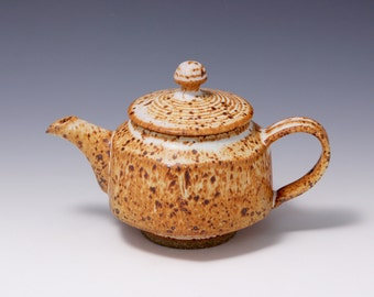 Wheel-thrown & Altered Stoneware Teapot with Light Tan Glaze by Hisnchuen Lin 林新春